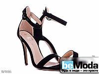 Стильные женские босоножки L&M Black из экозамши на высоком каблуке черные