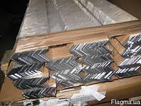 Алюминиевый уголок равносторонний АД31Т5, 10х10х1 мм (анод.)