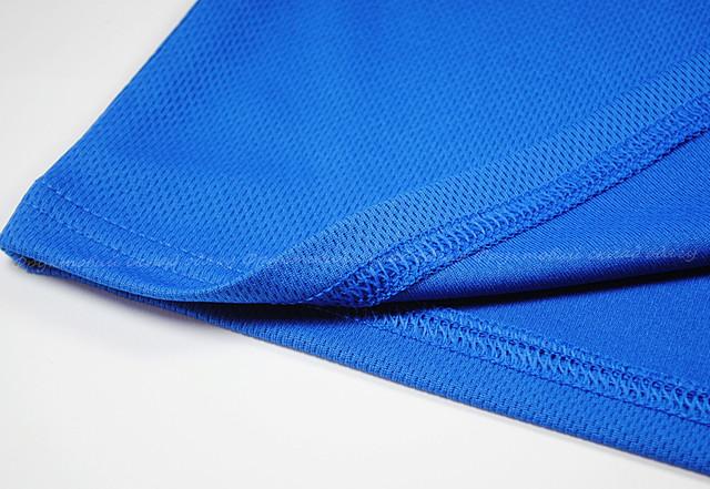 Ярко-синяя женская спортивная футболка