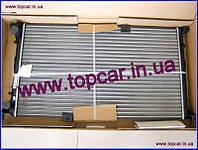 Радиатор двигуна +АС Renault Trafic II 2.5DCi 03-  Hella Германия 8MK 376 771-771