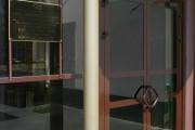 Дверная группа из алюминия, Дверь в алюминиевой раме