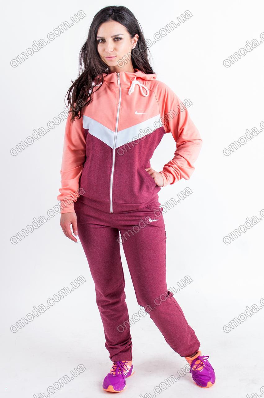 Женский трикотажный спортивный костюм бордового цвета