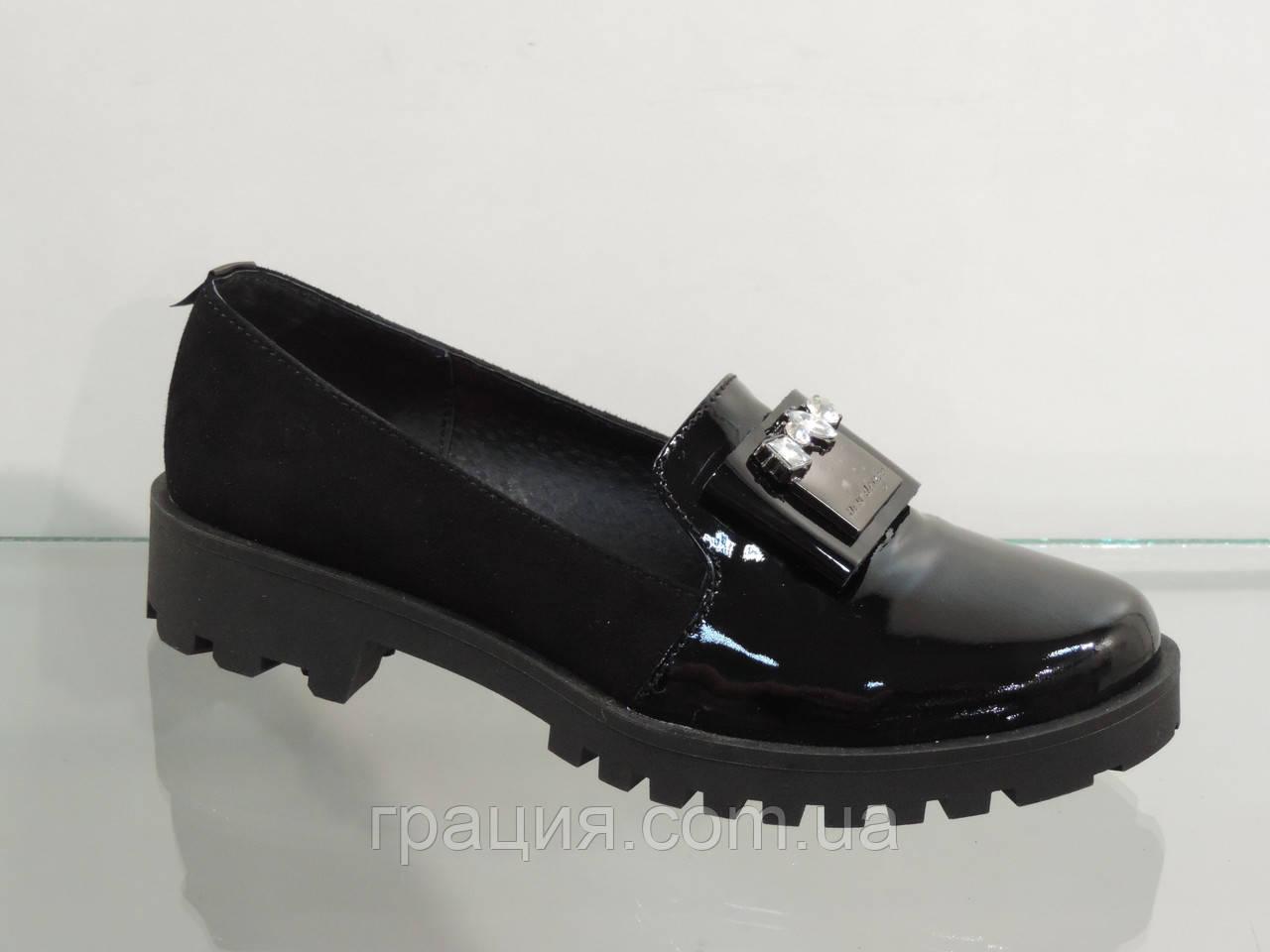 Стильні жіночі туфлі лак-натуральна замша