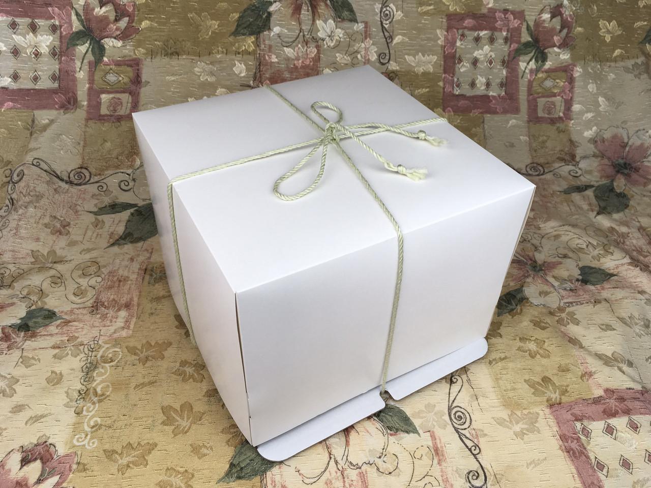 Коробка с веревк / 260х260х200 / Белая / б.о. / для торт
