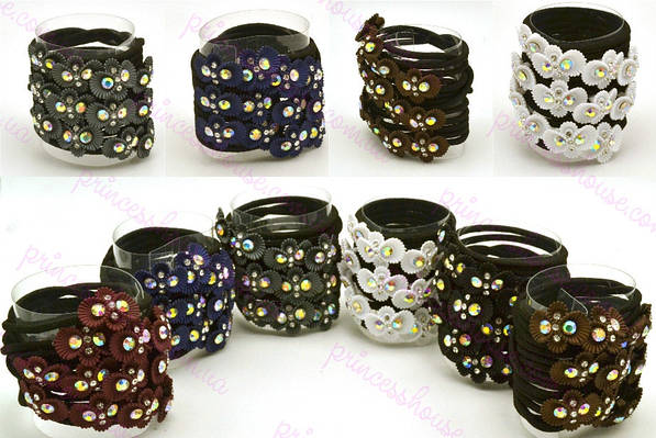 Резинка для волос черная с цветком разноцветным