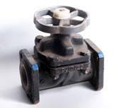 Вентиль чугунный футированный 15ч76п2М д.100