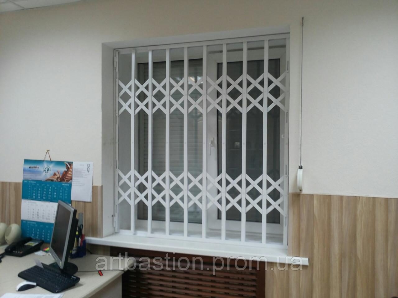 Решетки сдвижные на окна и двери