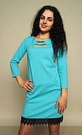 Стильное трикотажное платье с кружевом
