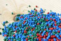 Порошковый краситель для полимеров