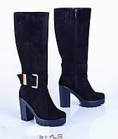 Зимние женские сапоги на каблуке из натуральной замши с пряжкой