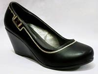 Черные женские туфли на танкетке 36-41 рр