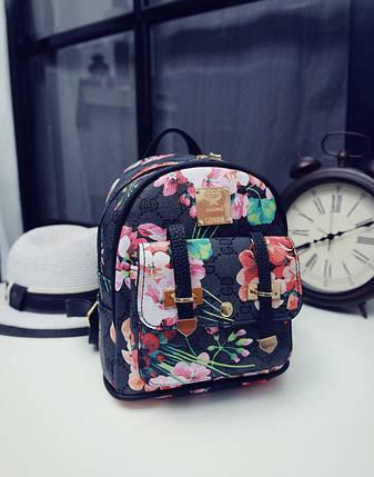 d59683638c85 Городской мини рюкзак с цветочным принтом от интернет-магазина Days ...
