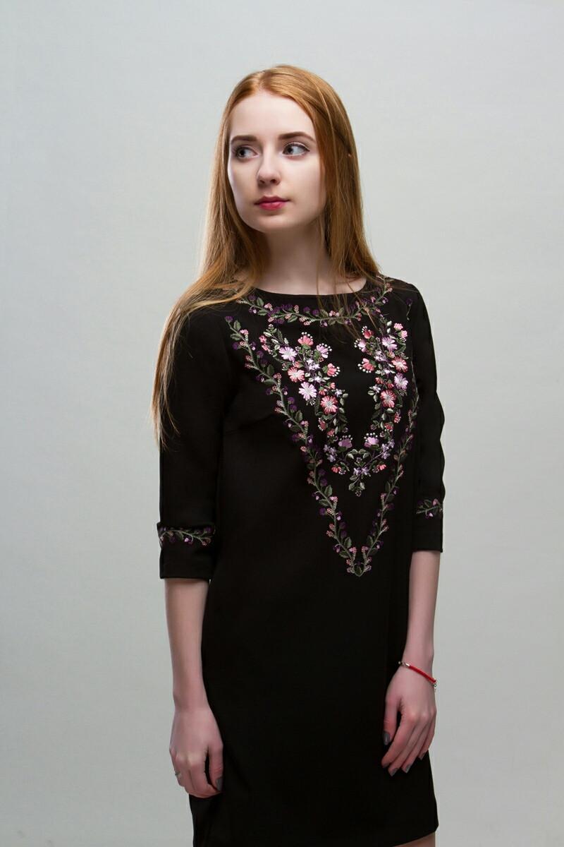 Платье с вышивкой - Флора
