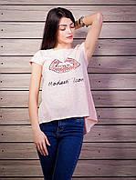 Женская футболка со стразами Губы удлиненная спинка цвет пудра p.42-50 VM1930-2