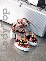 Женские Черные Босоножки на каблуке с цветочным принтом р.36,37,38,39,41