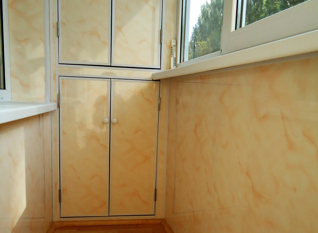 Еще один из вариантов, цвет - персиковый мрамор, имеет глянцевую поверхность.
