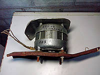 Электродвигатель со станиной, 1300 оборотов, 220 В, 180 Вт, б/у