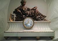 """Часы каминные """"Читающая девушка""""  Кон.19 в., Франция"""