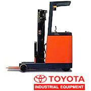 Ричтраки Toyota (оператор стоит), грузоподъёмностью от 1 до 3т.
