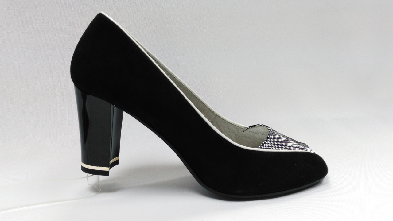 Замшевые туфли с открытым носиком. Польша.