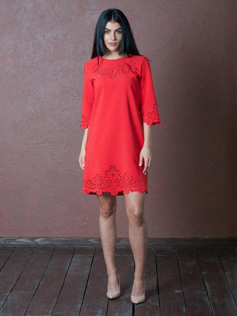 d4cca9e83e3ae93 Стильное платье с перфорацией, красного цвета, свободного кроя ...