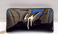 Женский кошелек Giuseppe Zanotti с отделением для телефона и ремешком на запястье черного цвета
