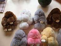 Меховой брелок на сумку зайчик, кролик