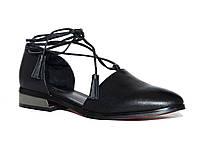 Женские кожаные туфли на низком ходу с красной подошвой