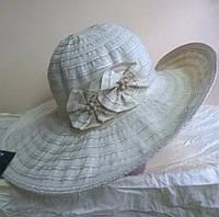 Шляпа из текстильной ленты с розочкой цвет молочный
