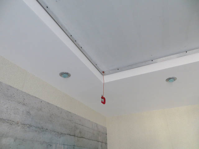 Монтаж натяжного потолка -1