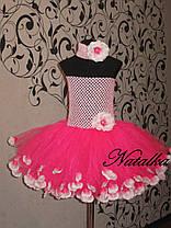 Юбка-платье ту-ту из фатина с лепестками и повязкой в розовом цвете, фото 2