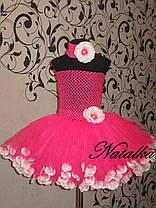 Юбка-платье ту-ту из фатина с лепестками и повязкой в розовом цвете, фото 3
