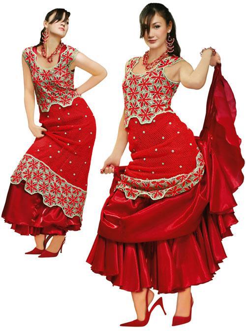 Костюм вязаный красный из кофточки и юбки с отделкой из люрекса золотого цвета с подкладкой