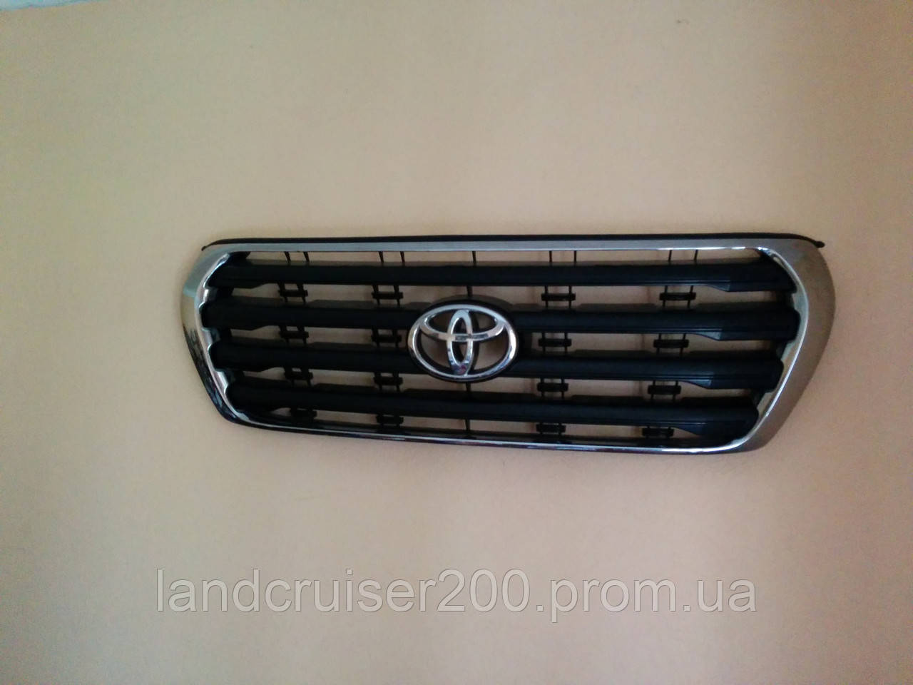 Решётка радиатора Toyota Land Cruiser 200