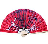 Веер настенный Сакура с бамбуком на красном фоне