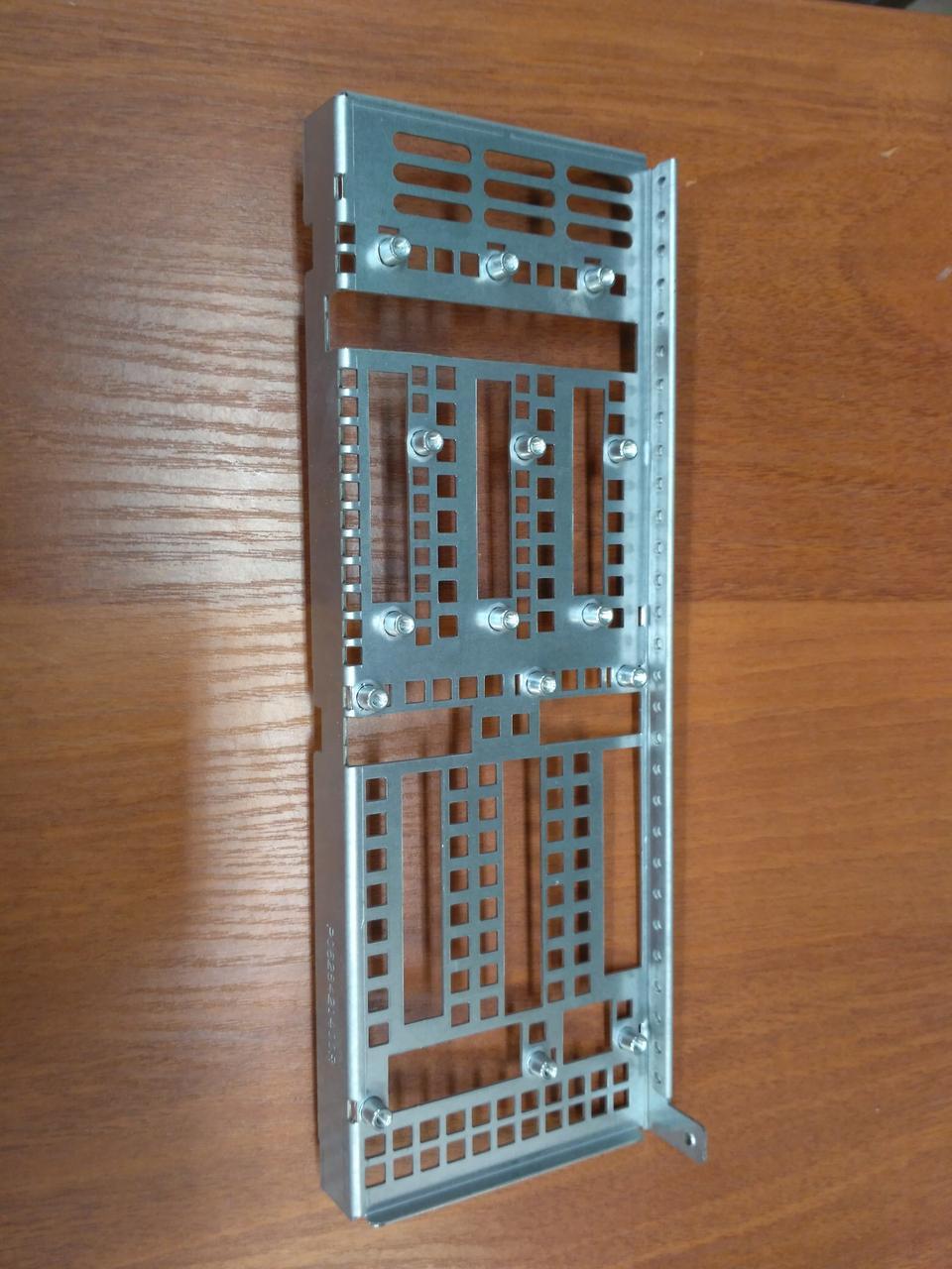 BRKT-SATA-SCA-2Q Железная рама (брэкет) для крепления  бэкплейнов, T-Win