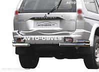Защита заднего бампера на Mitsubishi Pajero Sport I, двойные углы (п.к. АК3)