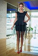 Платье с многослойной фатиновой юбкой для экстравагантного образа. Выполнено из неопрена.