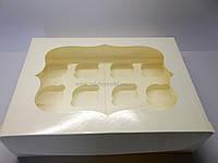 """Картонная коробка для капкейков с окном на 12 шт """"Белая с фигурной рамкой"""""""