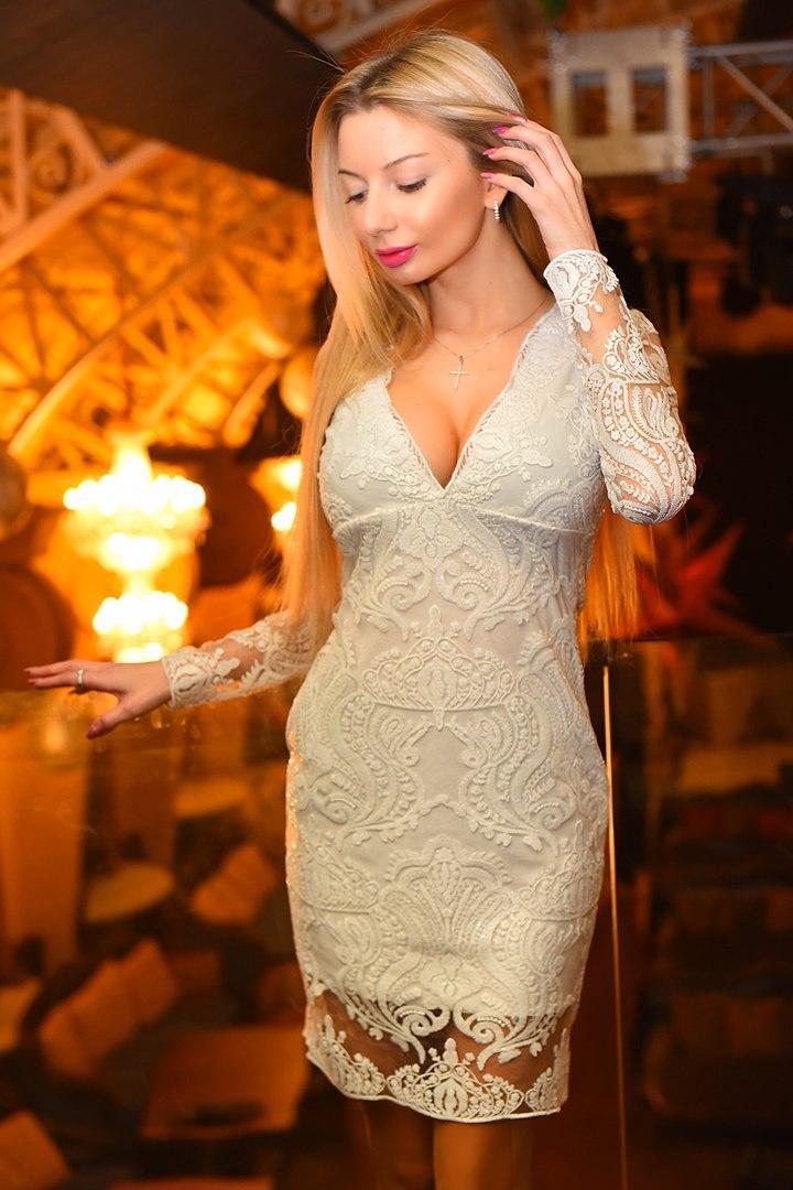 Вечерние платья от вив