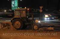Аренда трактора с щеткой Аренда трактора-щетки Услуги уборки снега Чистка снега Киев