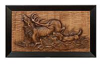 Настенная резная картина из дерева дуба Олень с собаками