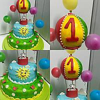 Двухъярусный торт на день рождения «Воздушный шар»