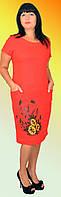 Легкое симпатичное полуприлегающее платье с цветочным рисунком больших размеров
