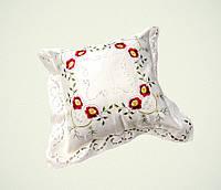Наволочка декоративная шелковая вышивка красный 45х45