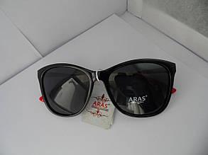 Солнцезащитные черные очки Aras Polarized с красными дужками