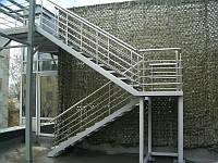Лестница маршевая. Перила могут быть разной конфигурации. Монтаж.