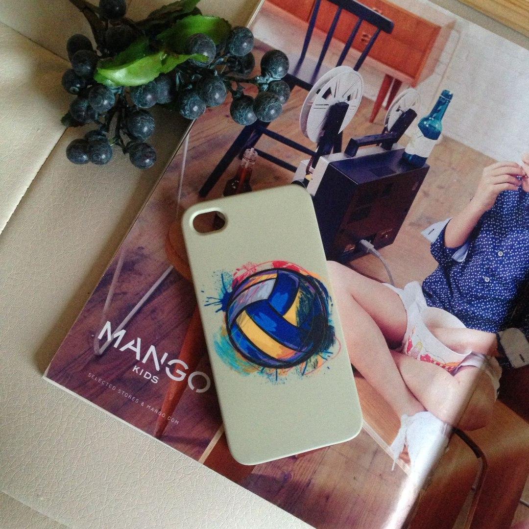Дизайнерский пластиковый чехол с волейбольным мячом для iPhone 4/4s