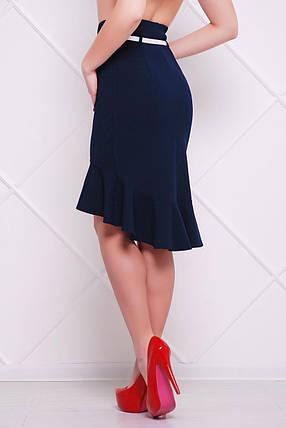 Обтягивающая синяя юбка