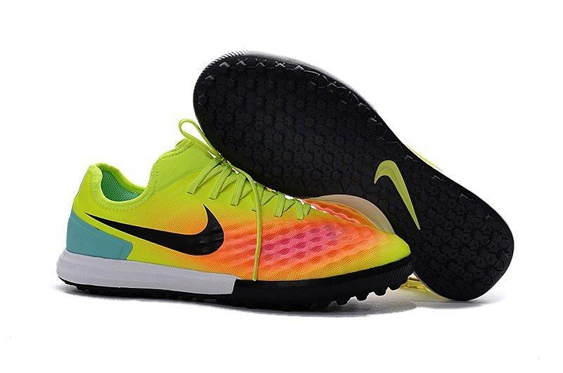 Бутсы сороконожки Nike MagistaX Finale II TF light green